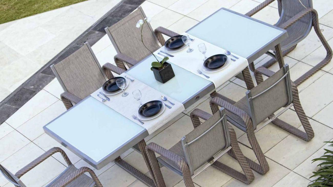 Mesas de Jardim, feito à mão na indonésia. Resistente à abrasão altomsférica. Melhor qualidade existente para produtos de exterior. Mobiliário de Jardim de Luxo. Luxury Outdoor Furniture