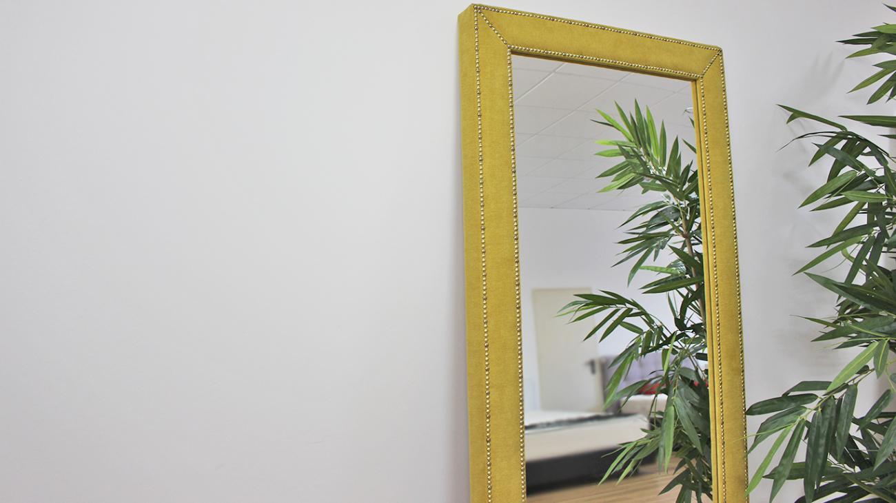 Espelho Estofado com Tachas, Espelhos Decorativos