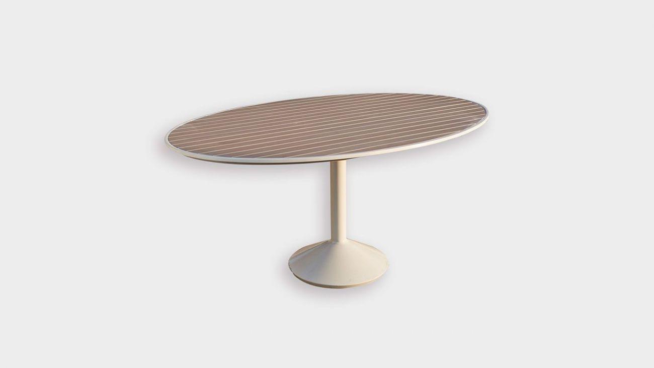 Mesa Oval Journey, Mesas de Jardim, feito à mão na indonésia. Resistente à abrasão altomsférica. Melhor qualidade existente para produtos de exterior. Mobiliário de Jardim de Luxo. Luxury Outdoor Furniture